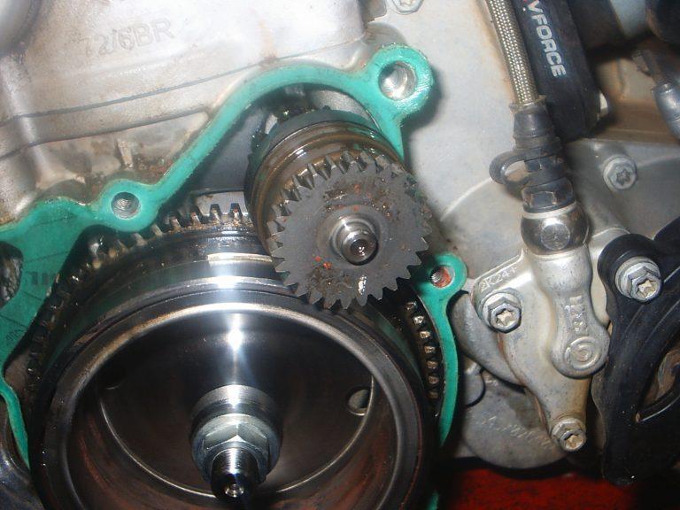 Technitalk – Replacing your KTM starter motor - Enduroworld